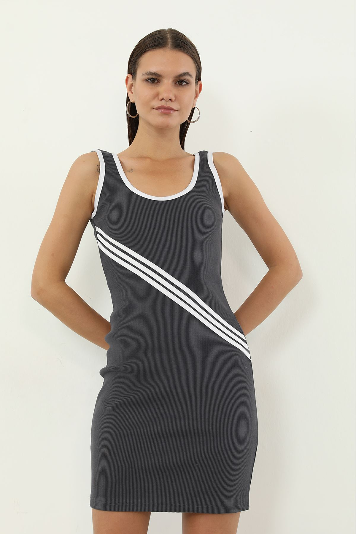 Şeritli Kaşkorse Elbise-Gri