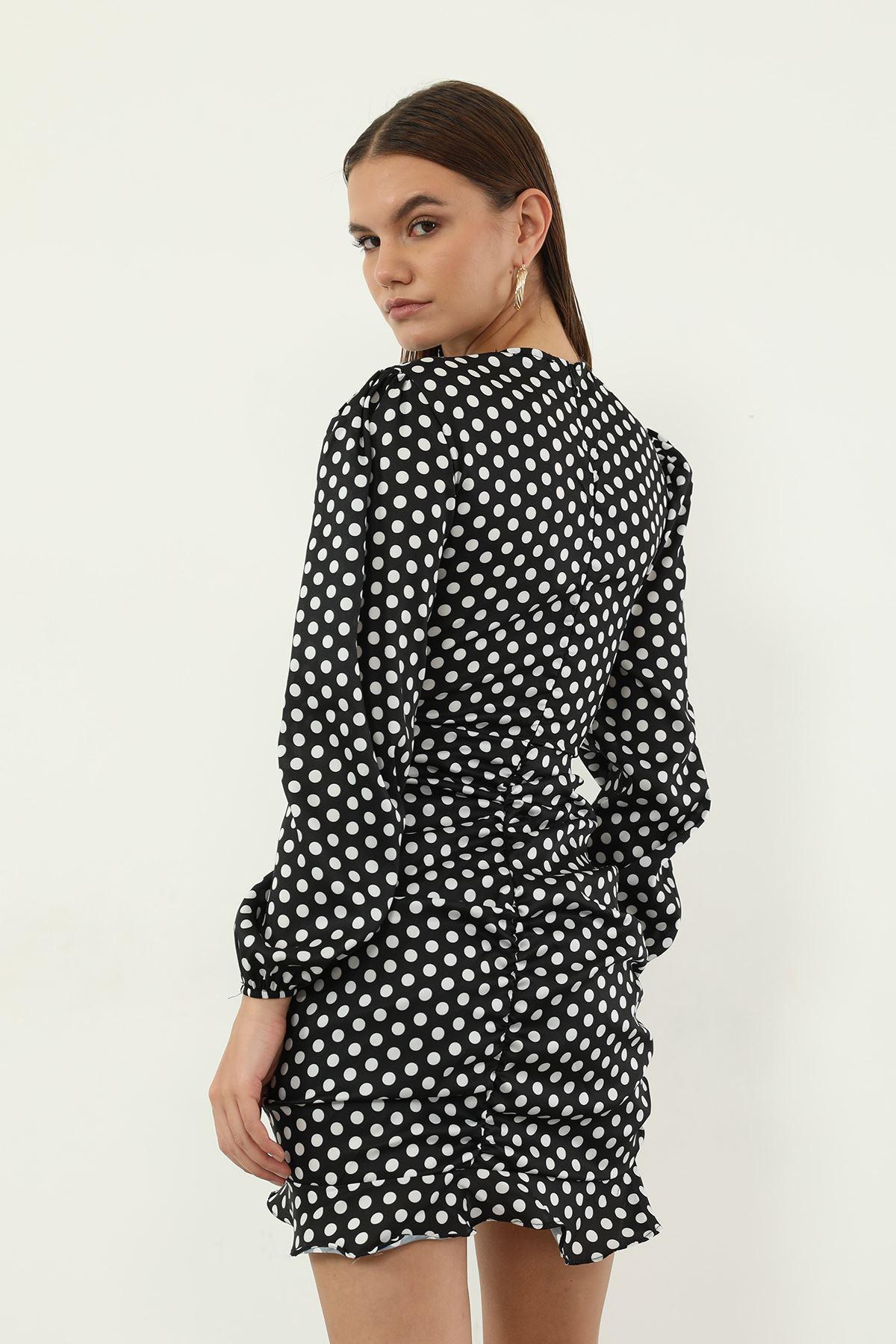 Puantiye Desen Büzgülü Elbise-Siyah