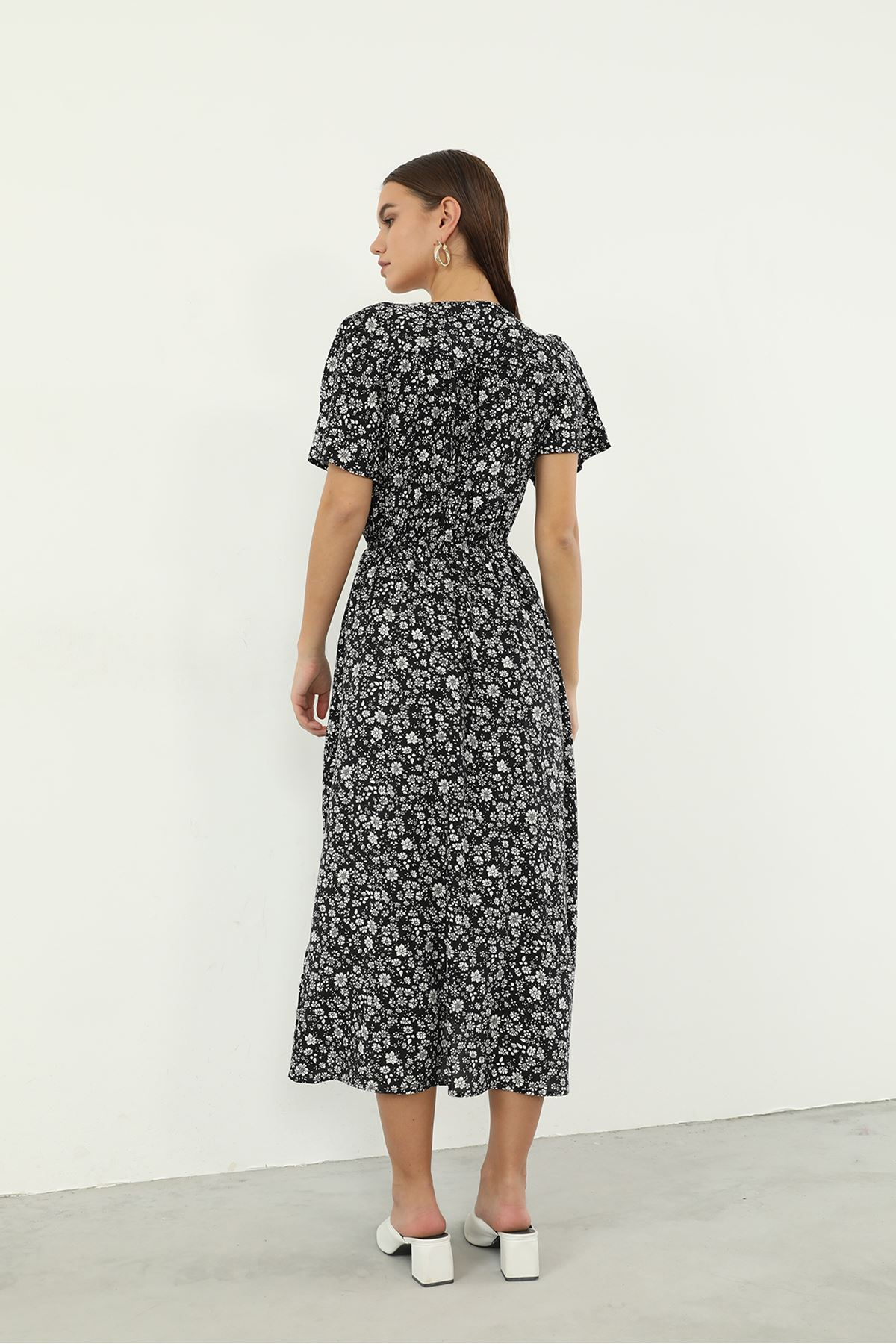Kruvaze Yaka Desenli Elbise-Siyah