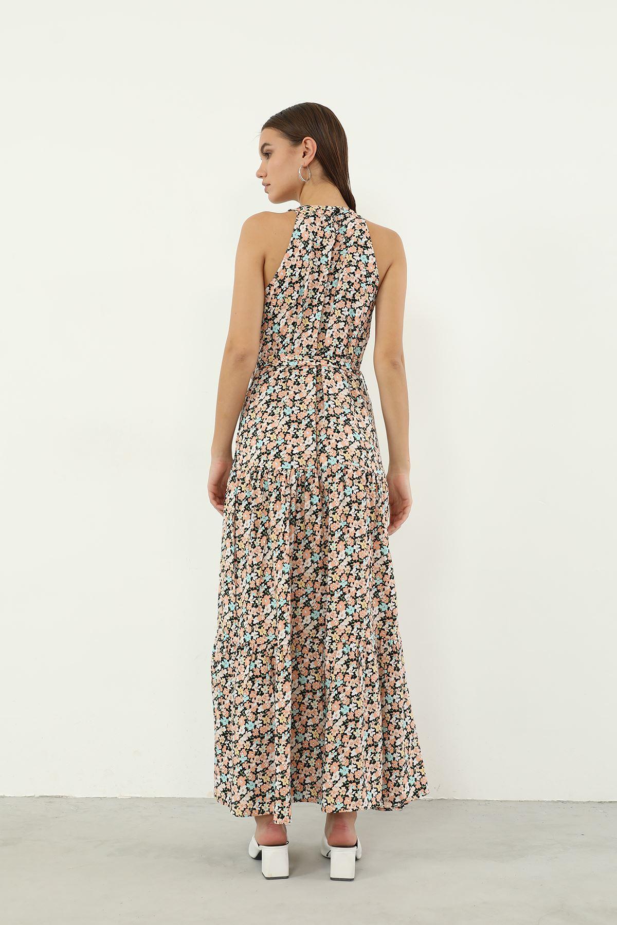 Halter Yaka Kuşaklı Elbise-Bej