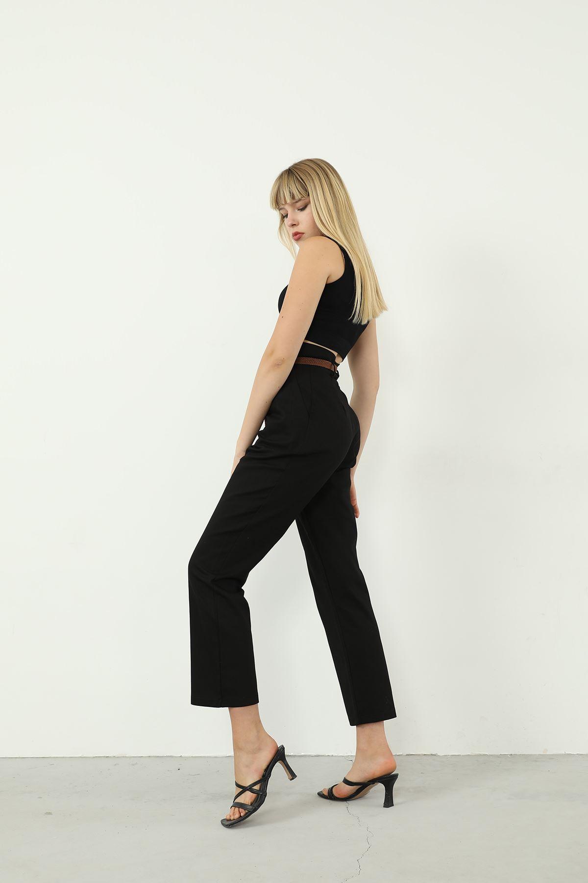 Bel Detay Kemerli Pantolon-Siyah