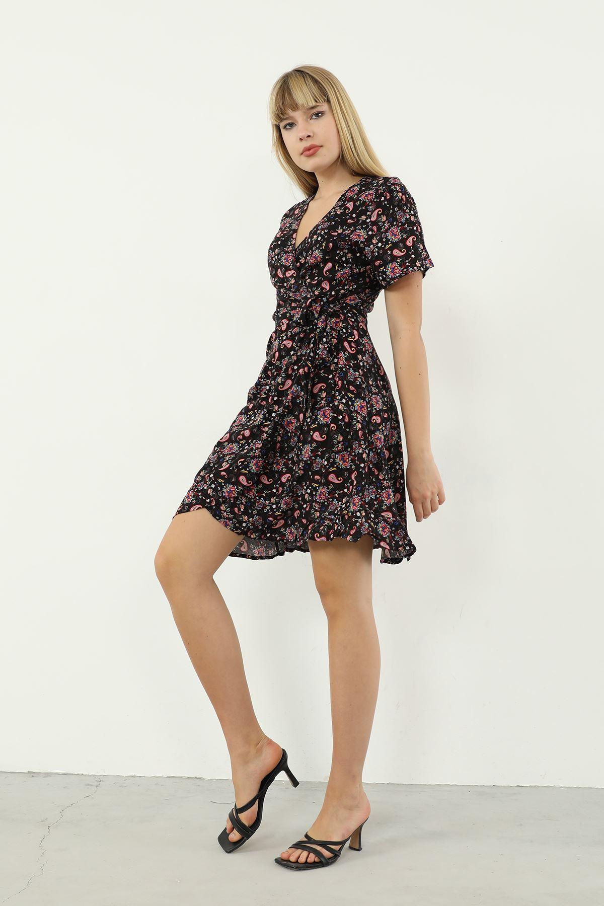 Şal Desen Kuşaklı Elbise-Siyah