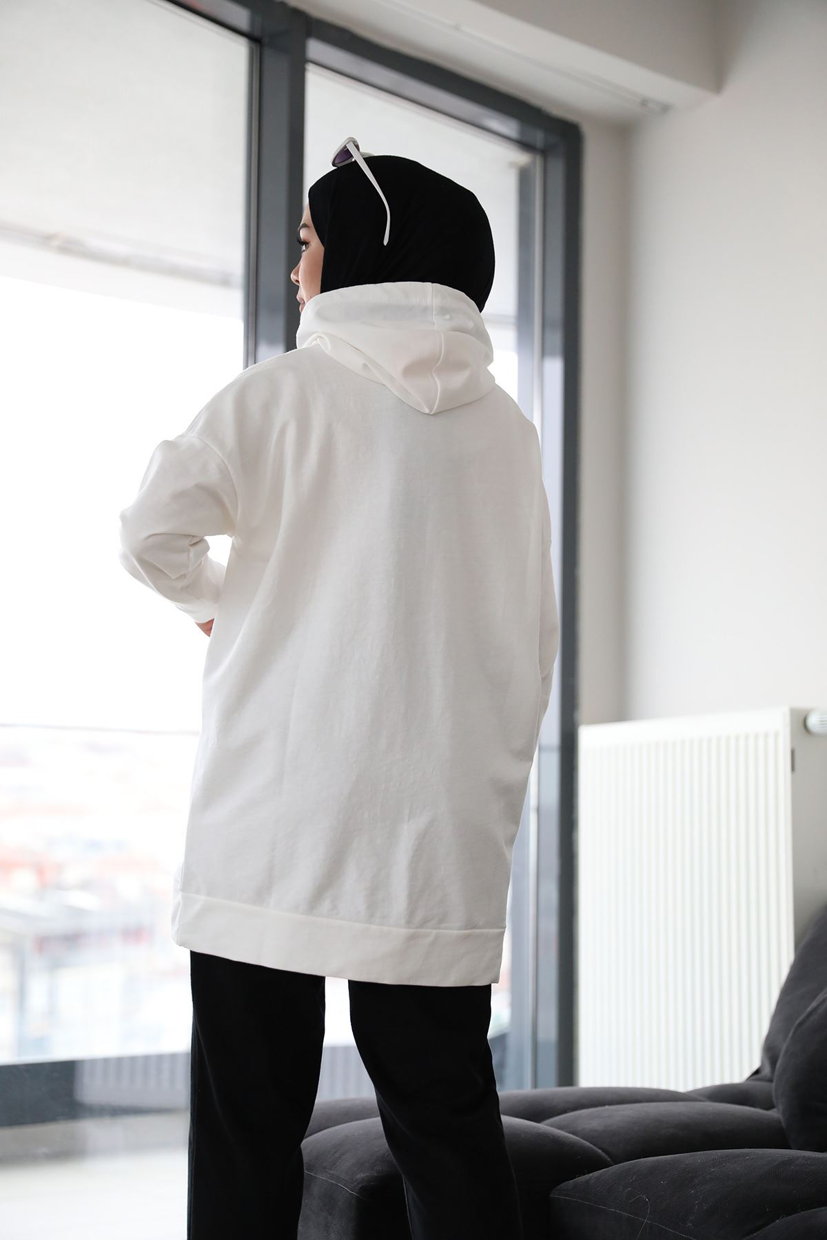 Cep Detay Sweatshirt-Beyaz