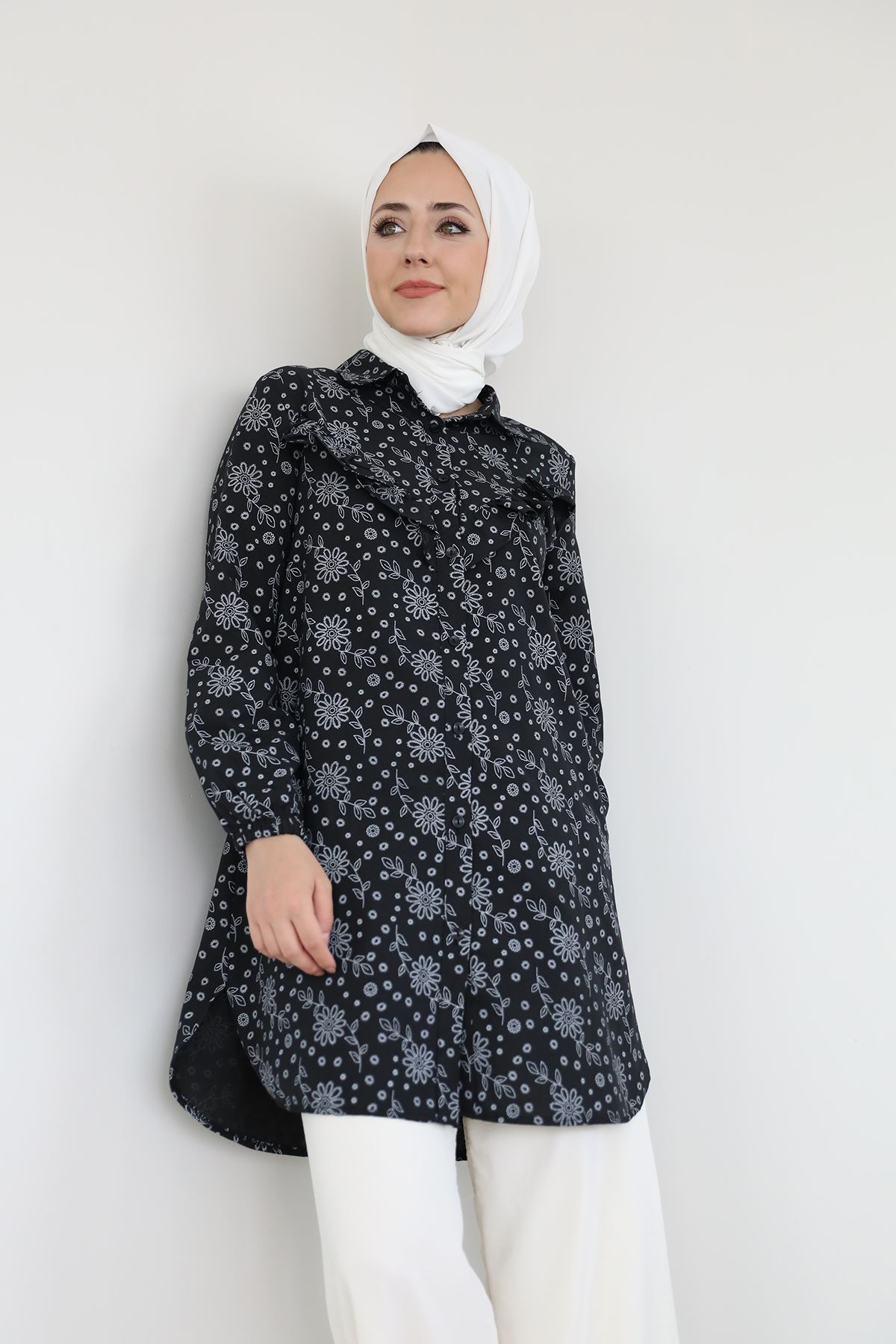 Fırfır Detay Çiçekli Gömlek-Siyah