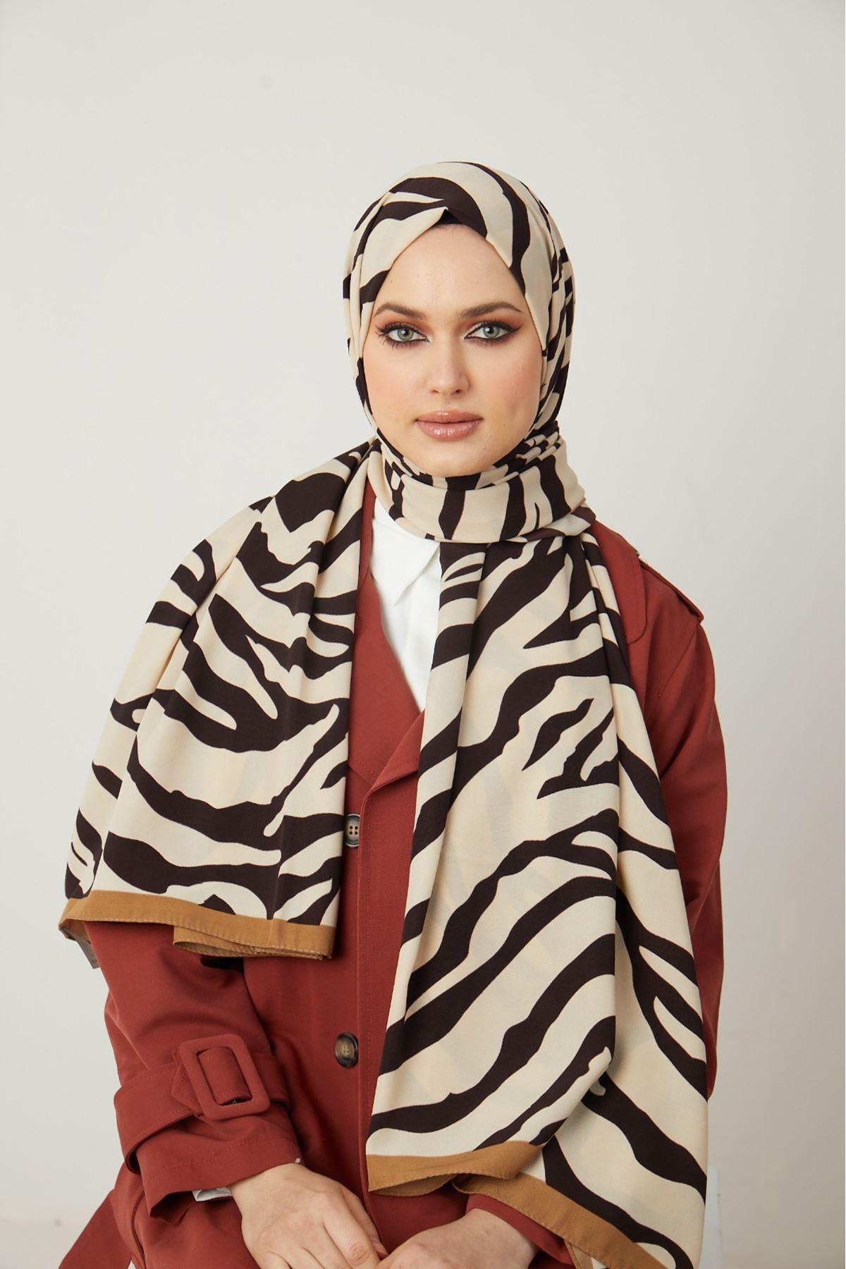 Zebra Desen Medine İpeği Şal-Karamel