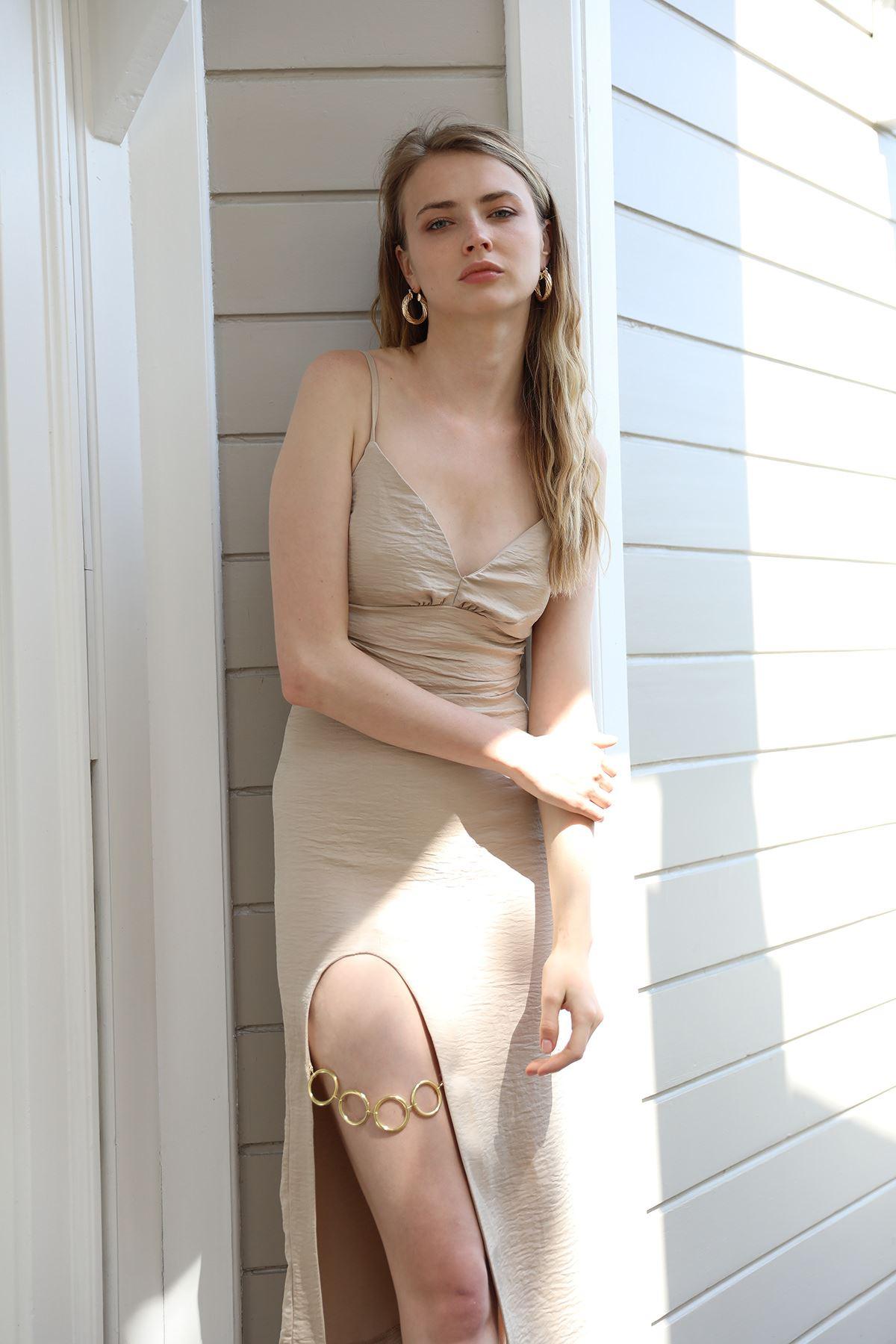 Yırtmaçlı Elbise-Bej