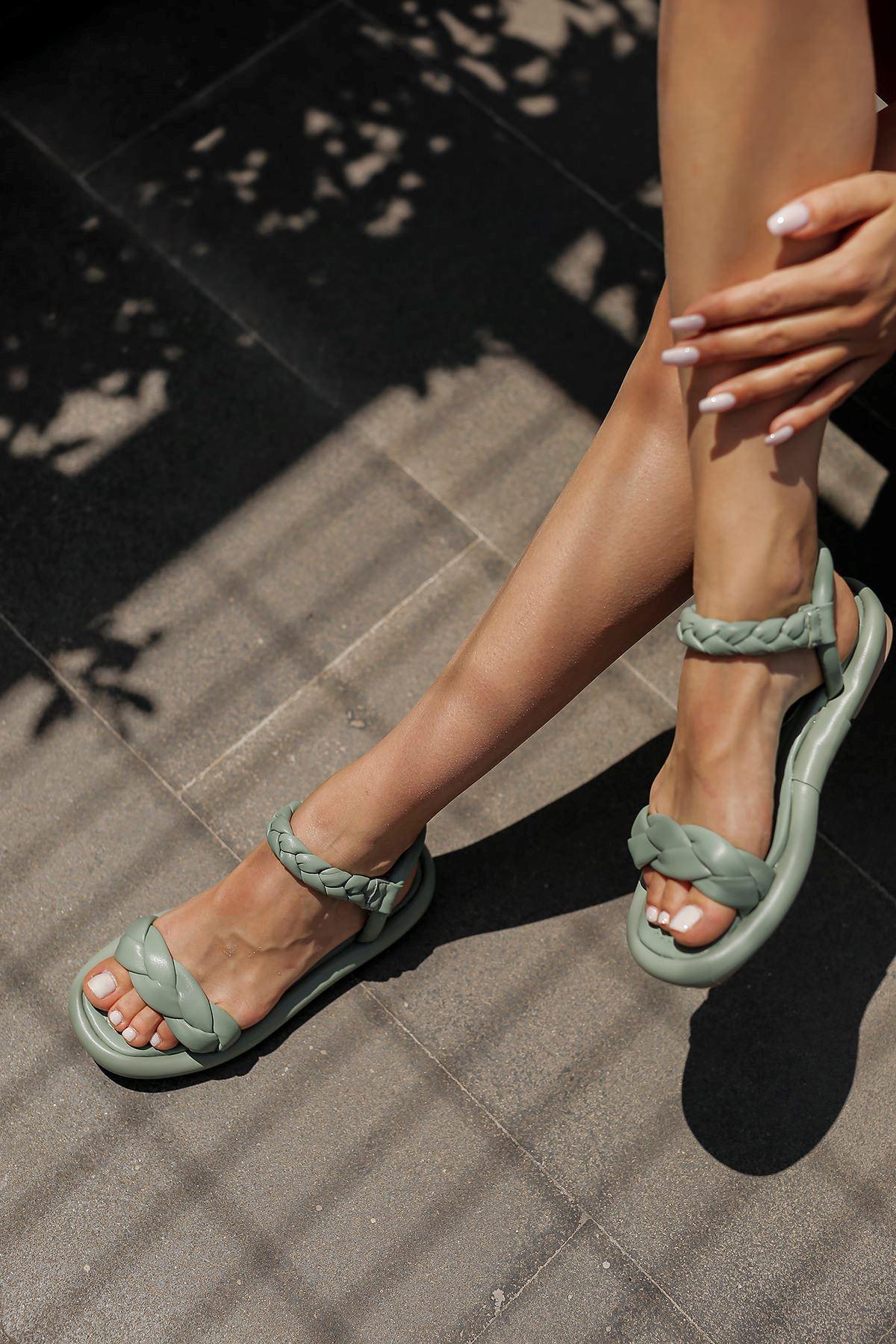 Örgülü Sandalet-Mint